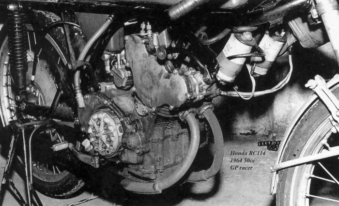 Honda RC114, twin 50cc .1964 racer-2a