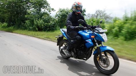 Suzuki-Gixxer-1