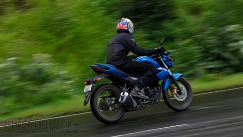 Suzuki-Gixxer-14