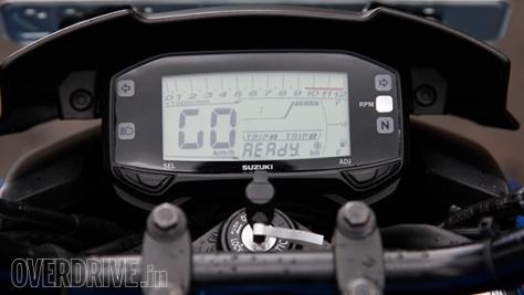 Suzuki-Gixxer-81