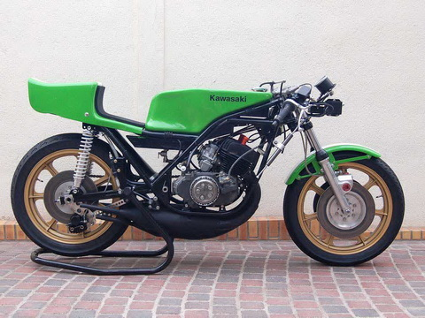Kawasaki-H1RW-1974-FD49-10_resize