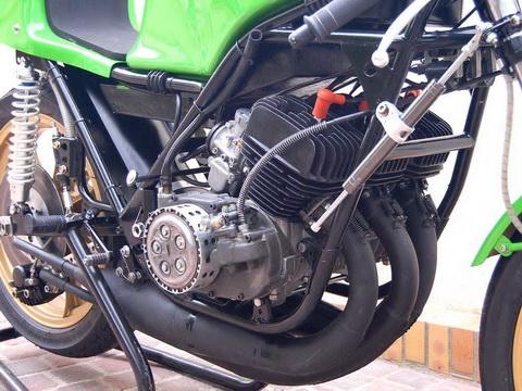 Kawasaki-H1RW-1974-FD49-12_resize