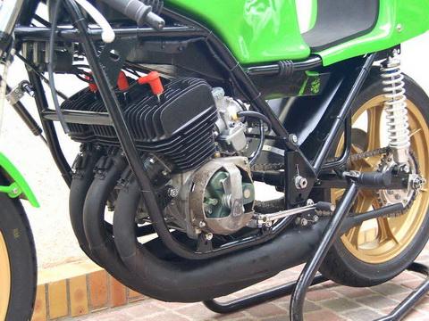 Kawasaki-H1RW-1974-FD49-13_resize