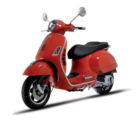 2009-Vespa-GTS125b