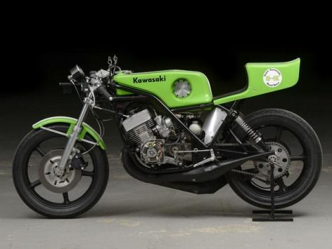 Kawasaki-H2R-Replica-1977-FF35-05-1024x768_resize