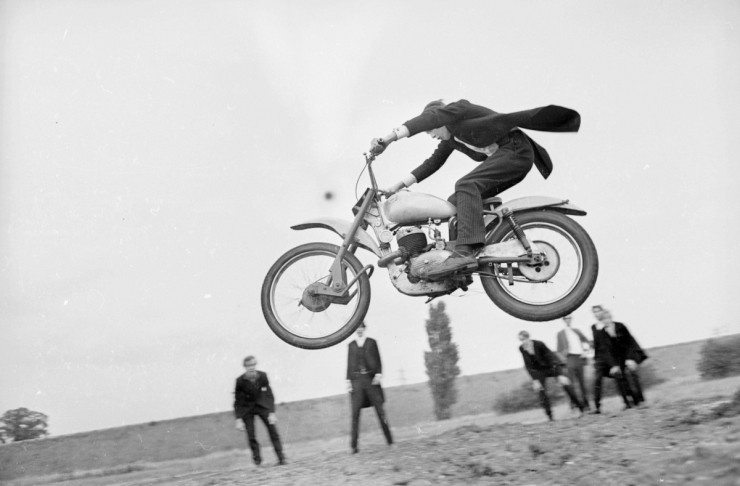 Vintage-Off-Road-Motorcycle-Buying-Guide-1200x789